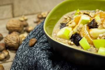 Buckwheat porridge with fruits and peanuts