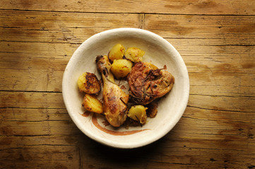 Chicken and potatoes Pollo e patate الدجاج والبطاطا