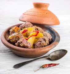 Moroccan meatballs with peppers on the eastern dish