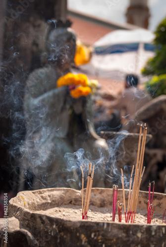 Papiers peints Indonésie Incense sticks