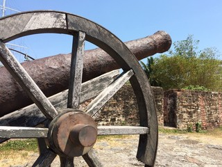 An old cannon gun