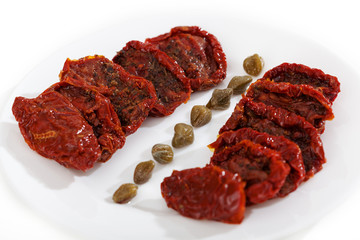 Dried tomatoes with capers