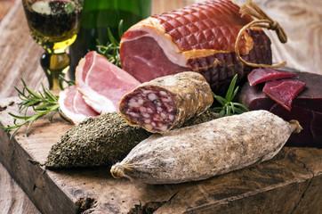 Salami und Schinken