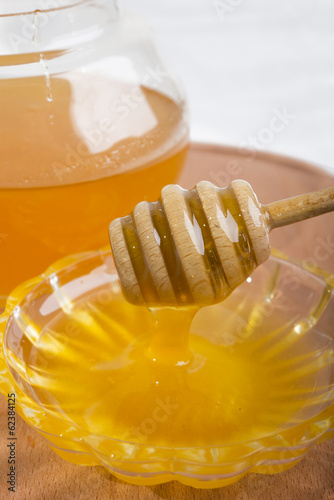 honey in the stick to honey on the bowl
