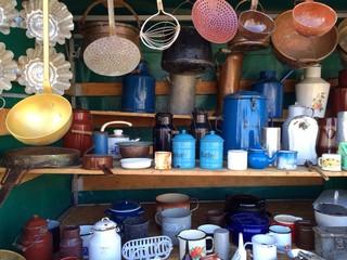Alte Zinkblech und Emaille Küchen Utensilien