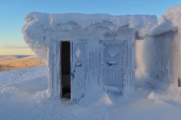 gefrorenes Häuschen
