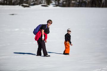 Dans la neige en famille