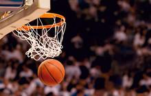 "Постер, картина, фотообои ""Scoring the winning points at a basketball game"""