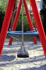 Schaukel auf dem Kinderspielplatz (3)