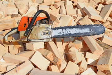 Chain saw on board edger