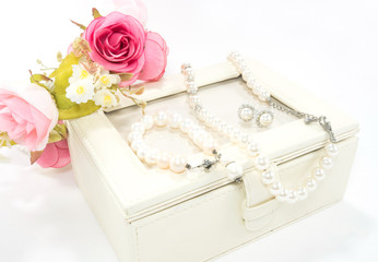 Pearl necklace, bangle and earring