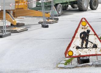 panneau travaux, chantier sur la route