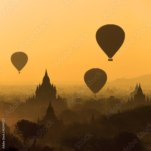 Sunrise over the temple plains of Bagan - Myanmar