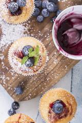Muffins mit Blaubeeren von oben