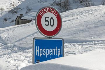 Verkehrschild bei Hospenthal