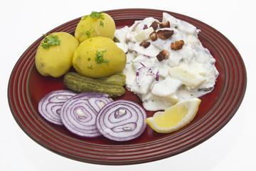 Sahnehering mit Kartoffeln