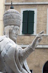 Statue of Pope Clement twelfth