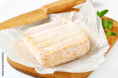 French washed rind cheese