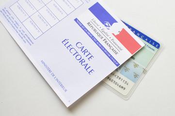 Carte électorale et carte d'identité