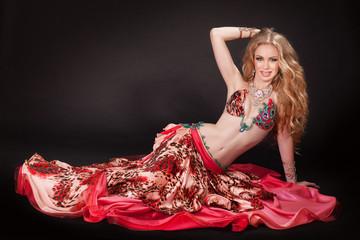 belly dancer woman dancing bellydance