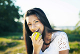 Beauty eating an apple