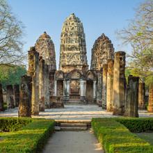 Wat Si Sawai temple de style khmer en parc historique de Sukhothai, Th.