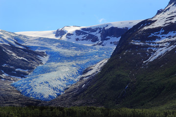 The blue color of the  black glacier