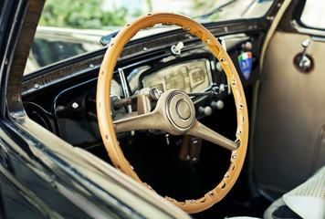 plancia di un'auto d'epoca