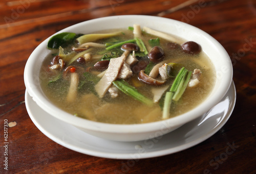hot and sour soup with pork and mushroom