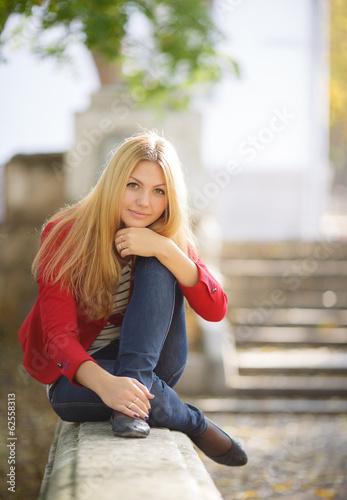 devushki-golyak