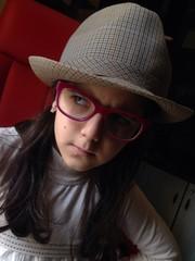 bambina col cappello