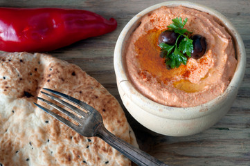 red pepper hummus with bread