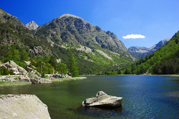Amazing view of Lake Llebreta in Aiguestortes National Park
