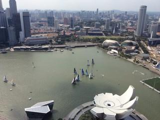 яхты в заливе Марина Бэй Сингапур
