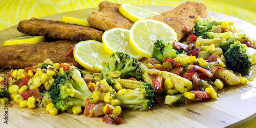 Fish fillets with vegetables