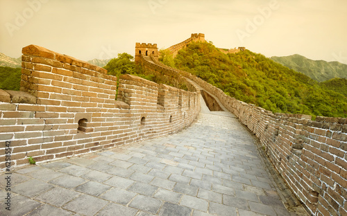 Tuinposter Chinese Muur The Great wall of China during sunset