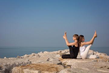 yoga on the beach, Krounchasana
