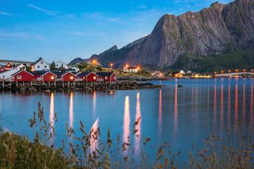 Reine Lofoten Dorf, zur blauen Stunde