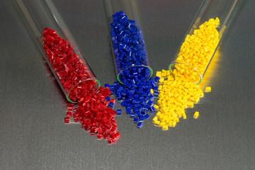 Polymer Granulat in Teströhrchen