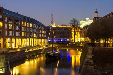 duesseldorf at night