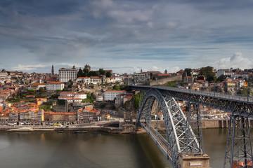 Ponte Dom luis a unir a Cidade do porto a Gaia