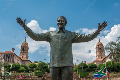 Tuinposter Zuid Afrika Statue of Nelson Mandela in Pretoria, South Africa