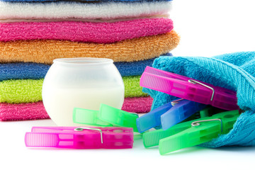detergent ball and clothes pegs