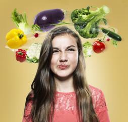 Mädchen mit fliegenden Gemüse um den Kopf, Composite