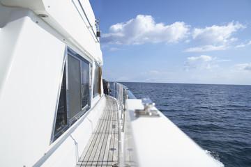 Italien, Sardinien, Bretter Deck der Yacht