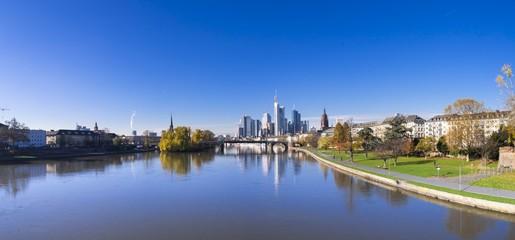Deutschland, Hessen, Skyline von Frankfurt mit Main