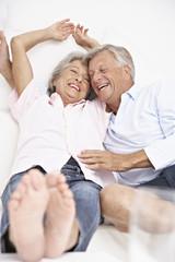 Spanien, Senior Paar Aufwachen