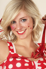 Frau in der Karneval- Kleid