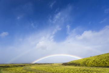 Island, Kirkjubærklaustur, Regenbogen im Hochland