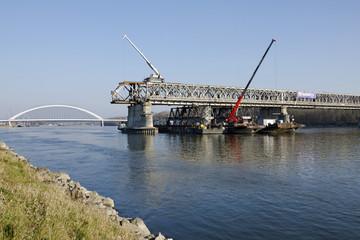 The Bratislava Stary most bridge demounting